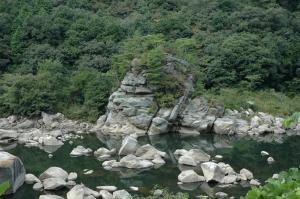 弓が淵奇岩