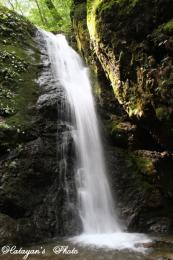 綾広の滝全景a