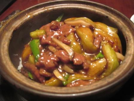 牛肉と土鍋のご飯