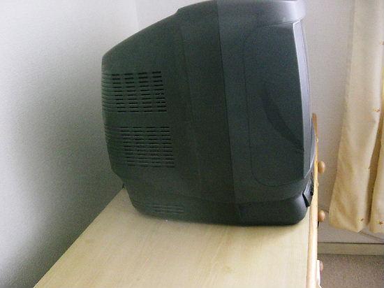 旧テレビの厚さ