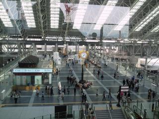 大阪駅1-2