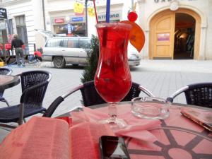 多分Orli通り沿いにあるカフェにてカクテル