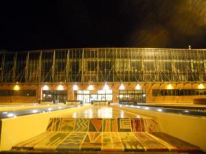 シエナ/Siena 駅の前のショッピングセンター