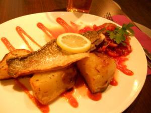 宿にて夜ご飯/Dinner in Hostel