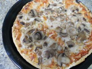 スーパーで買ったピザ/A pizza bought in super market