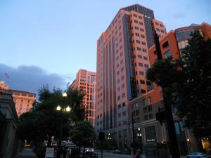 テンプルスクエア前の建物/Buildings in front of Temple square