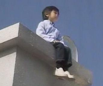 (TVドラマ全話) 光とともに・・・自閉症児を抱えて 第01話 「愛しい我が子に衝撃の告知・・・家族の愛の物語」(512X384DivX).avi_000618985
