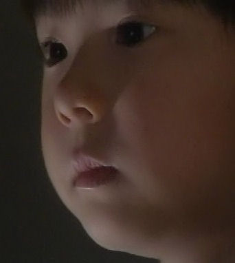 (TVドラマ全話) 光とともに・・・自閉症児を抱えて 第01話 「愛しい我が子に衝撃の告知・・・家族の愛の物語」(512X384DivX).avi_001020987