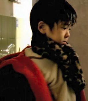 (映画・邦) 隣人13号 (2005.11.25発売 2005.04公).avi_004125254