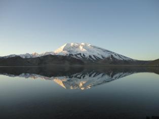 早朝のカラクリ湖