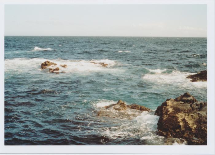 海を目の前に