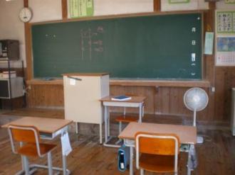 真鍋島の学校3