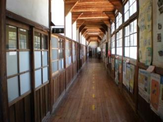 真鍋島の学校2