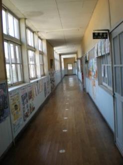 真鍋島の学校12