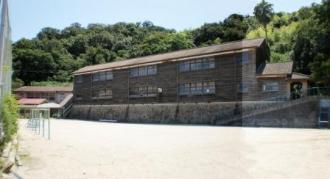 真鍋島の学校