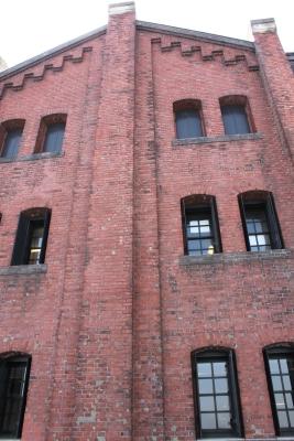 赤煉瓦倉庫海側面