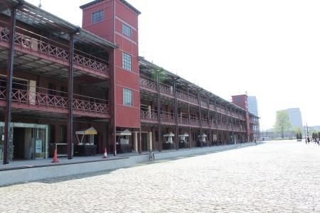 赤煉瓦倉庫海側面2