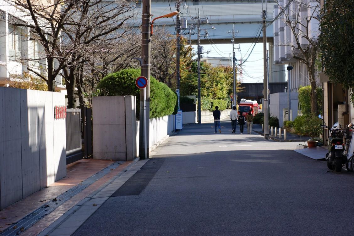 桜中学校門前