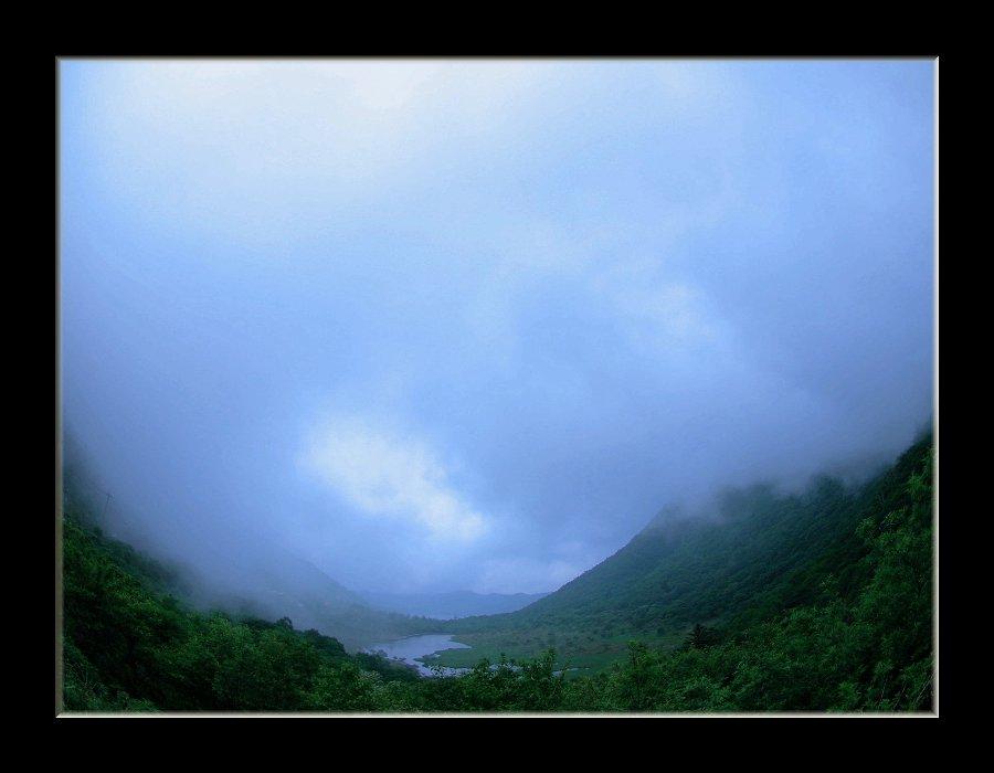 霧の覚満淵