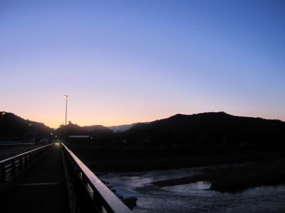 角館の桧木内川橋からの朝日