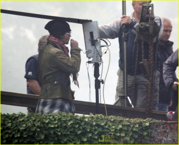 johnny-depp-music-video-directorial-debut-08.jpg