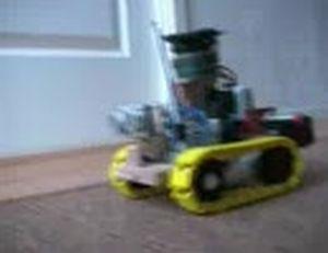 叩けそうなモノを探して叩きだすロボット