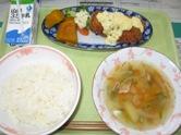 魚のタルタルソース・ゆで野菜・ミネストローネ