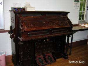 聖贖主教会 古いオルガン