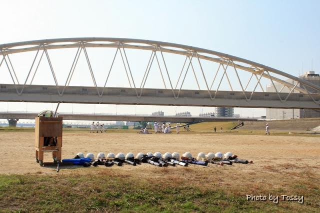 淀川河川敷 NTT専用橋