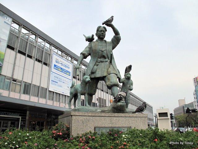 岡山駅と桃太郎