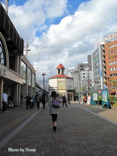 元町駅前広場 交番