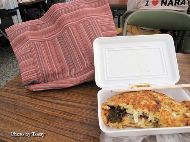 買物袋と焼き蕎麦