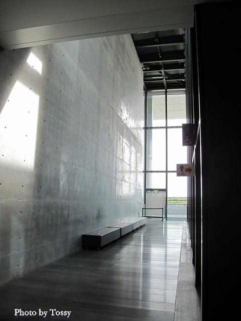 美術館内部廊下2
