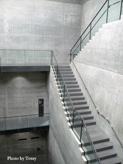 美術館内部 階段室