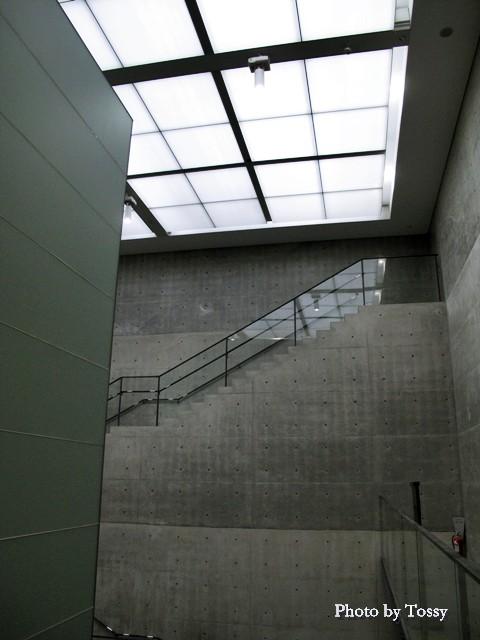 美術館内部 階段室2