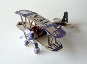 2002_0613_120750-紅茶飛行機