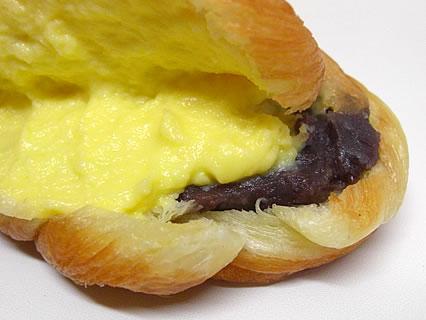 スマイルキッチン丹羽商店 揚げパン? 断面