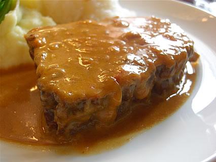 喫茶らあく 牛バラ肉のグーラッシュ トマトとパプリカで煮込んだハンガリー風ビーフシチュー 牛バラ肉