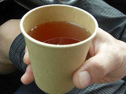 パン焼き工房ノイエ 無料の紅茶