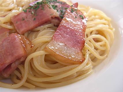 イタリア大衆食堂 Primo Piatto(プリモピアット) カルボナーラ アップ