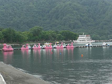 十和田湖 遊覧船とスワンボート