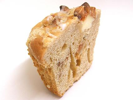 Daily's muffin(デイリーズ マフィン) ピーナッツバター&バタースカッチチョコ 断面