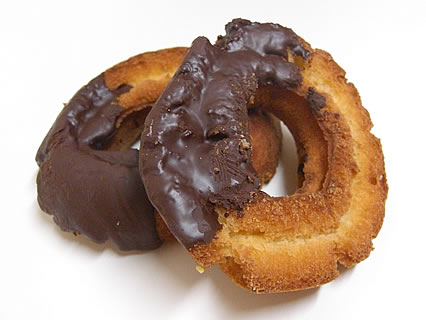 ミスタードーナツ 「ドーナツ15種類半額」 チョコファッション(136円→68円)