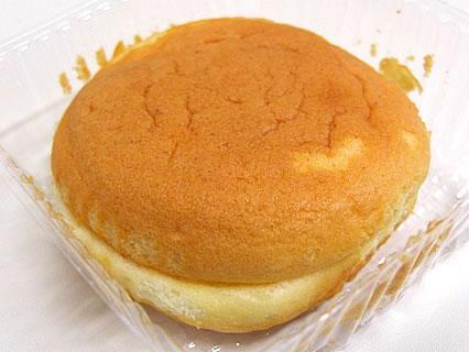 大竹菓子舗 十和田通り店  魔女の生チーズサンド 中身