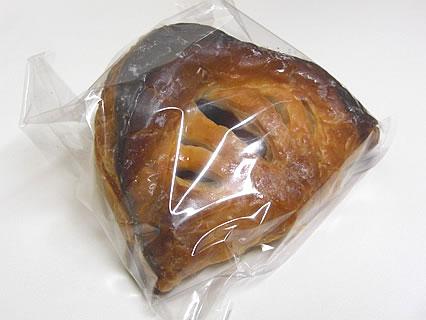 パン工房&チーズ モンドール ショソン(リンゴ&カシス)(230円)