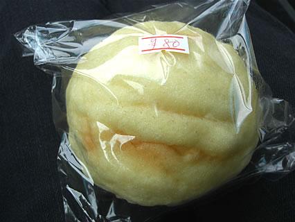 パン工房&チーズ モンドール メロンパン(126円→80円)