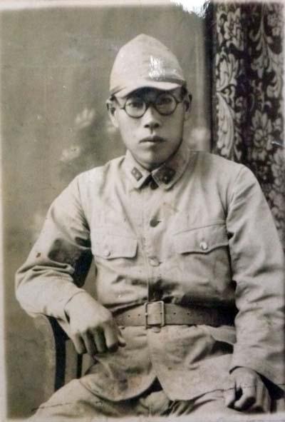 松沢軍服姿