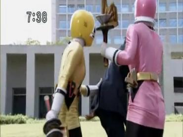 Samurai Sentai Shinkenger Episode 32  Part 1.avi_000436973