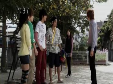 Samurai Sentai Shinkenger Episode 34  Part 1.avi_000400225