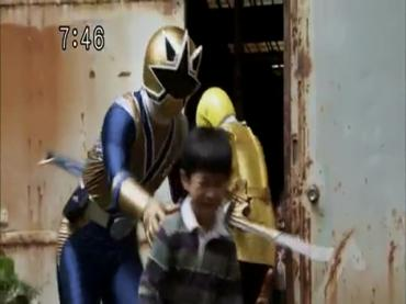 Samurai Sentai Shinkenger Episode 34  Part 2.avi_000200050